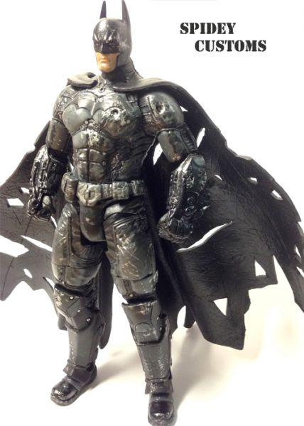 Arkham Origins Batman with Electrocutioner Gloves (Batman ...