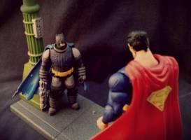 Dark Knight Returns Diorama - 4 Inch Scale (Batman - Dark